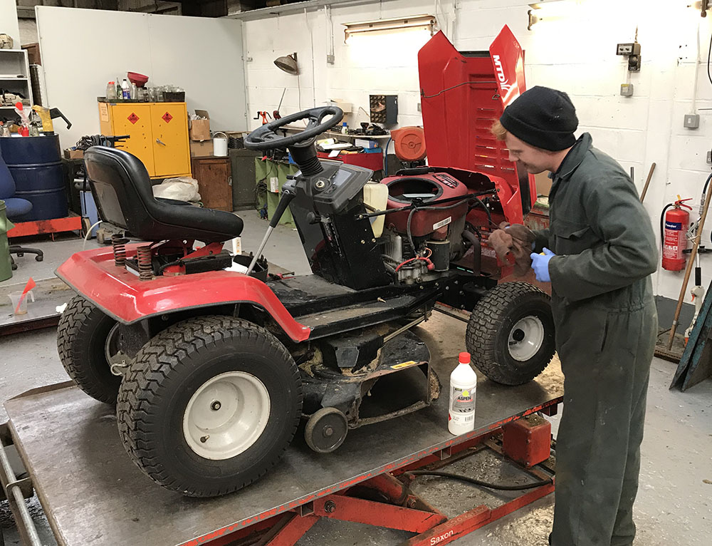 ride-on mower service repair